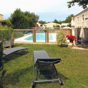 gite vendée grange piscine